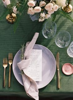 An Organic Olive Green and Khaki Wedding table at Runnymede Plantation Pink Table, Green Table, Wedding Dinner, Wedding Table, Wedding Dress, Wedding Tips, Wedding Ceremony, Khaki Wedding, Purple Wedding