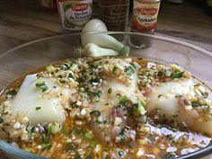 Dos de cabillaud sauce antillaise Chicken, Breakfast, Food, Fruit, Lemon Chicken, Juice, Cooking Recipes, Hoods, Meals