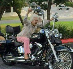 Harley Davidson News – Harley Davidson Bike Pics Biker Chick, Biker Girl, Lady Biker, Biker Quotes, Hells Angels, Harley Davidson Motorcycles, Custom Motorcycles, Motorbikes, Folk