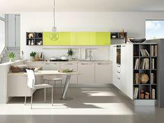 stilvolle Küche planen grasgrüne Farbakzente Oberschrank