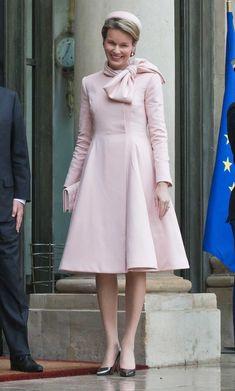 Mathilde: une reine en Dior à Paris