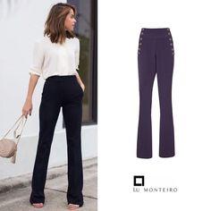 Uma boa calça é definitivamente um peça indispensável no guarda roupa. Nossa calça 12 botões tem a cintura mais ajustada, que torna o look mais estruturado e elegante.