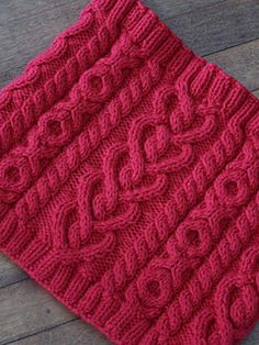 Love and Kisses Cowl Knit Pattern - Cute Valentines Day Gift that knits up quick!