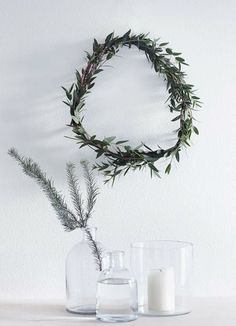 Get into the holiday spirit with these beautiful Scandinavian Christmas inspiration ideas. Scandinavian Holidays, Scandinavian Christmas Decorations, Nordic Christmas, Natural Christmas, Noel Christmas, Green Christmas, Simple Christmas, Winter Christmas, Christmas Wreaths