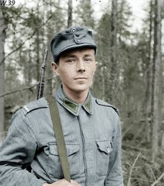 Finnish Army corporal armed with russian SVT-40 rifle, Continuation War - pin by Paolo Marzioli