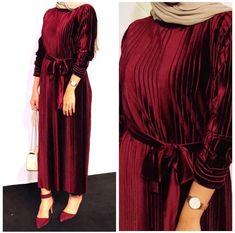Pinterest: just4girls Hijab Evening Dress, Hijab Dress Party, Hijab Style Dress, Modest Fashion Hijab, Modern Hijab Fashion, Abaya Fashion, African Fashion Dresses, Hijab Outfit, Muslim Fashion