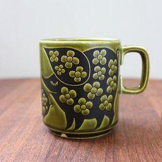 Piggies. Vintage 1970s Hornsea mug, Clappison design.