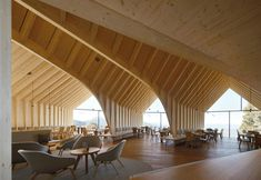 Oberholz ski resort, in the mountains of South Tyrol, is a new restaurant made of three glass and larch geometric volumes