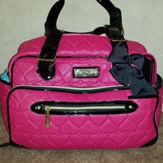 Betsey Johnson diaper want this for when I have a baby! Baby Girl Diaper Bags, Cute Diaper Bags, Nappy Bags, Cute Purses, Purses And Bags, Betsey Johnson Diaper Bag, Betsy Johnson Purses, Girl Swag, Pink Love