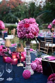 pretty pink and navy tablesetting