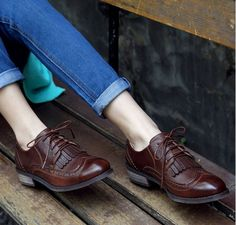 2014 Brand New Vintge Classic British European Style Women's Brown Black Oxfords Brogues Shoes Ladies Casual Flat Lace Up Autumn-in Flats from Shoes on Aliexpress.com | Alibaba Group