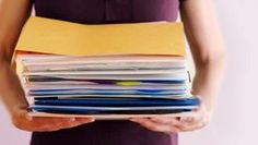 How long do you keep your personal documents? Organization Bullet Journal, Self Organization, Home Organisation, Organizing Tips, Konmari, Organisation Administrative, Home Binder, Something To Remember, Home Management