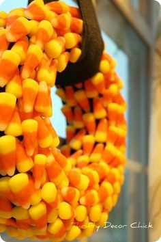 Candy Corn Wreath diy halloween crafty candy corn halloween crafts halloween diy crafts halloween wreaths halloween wreath ideas halloween door decorations candy corn wreath
