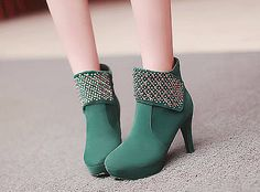 Cute Asian Fashion - Lollimobile.com Modesty Fashion, Fashion Walk, Fashion Shoes, Sock Shoes, Women's Shoes, Cute Asian Fashion, Green Boots, Walk This Way, Pretty Shoes