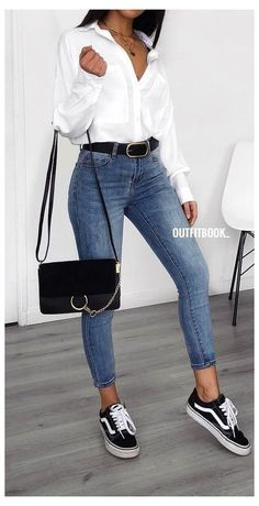 Spring Outfits Women, Winter Fashion Outfits, Look Fashion, Outfits For Teens, Fall Outfits, Summer Outfits, Fashion Black, Fashion 2018, Woman Fashion