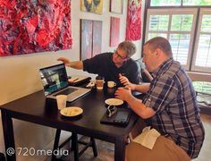 We had a great #websitedesign meeting this morning at Rosco's #Coffee House. Highly recommended this #locallyowned  #business. Excellent #coffee #tea #scones #bakedgoods and more! Here's Kevin at 720media discussing the new #website #design with a wonderful #local #homebuilder we work with in #COSprings.  More info: http://ift.tt/1Qvqi9X (#webdesign by #720media) #coloradosprings #coloradogram #java #eatlocal #organic #colorado