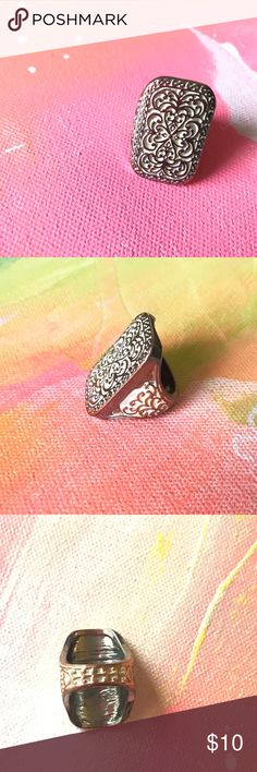 Vintage ring Cool vintage ring with cut out pattern. Weighty and unique. Vintage Jewelry Rings
