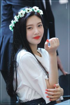 Find images and videos about kpop, red velvet and joy on We Heart It - the app to get lost in what you love. Wendy Red Velvet, Red Velvet Joy, Black Velvet, Seulgi, Kpop Girl Groups, Kpop Girls, Korean Girl Groups, Park Joy, Red Valvet