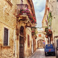 Streets of Sulmona | Italy Show and Tell: Sulmona, Abruzzo | BrowsingItaly.com