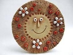 Ceramic Wall Art, Ceramic Pendant, Ceramic Clay, Ceramic Beads, Ceramic Pottery, Diy Crafts For Adults, Diy Arts And Crafts, Clay Crafts, Pottery Sculpture