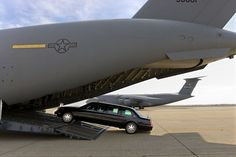 Secret Service Vehicles | ... vehicles, including the limousines and a fleet of Secret Service SUVs