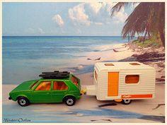 Matchbox #7 VW Golf & #31 Caravan (1976-1977) | da WesternOutlaw 1970s Toys, Retro Toys, Vintage Toys, Bmw Isetta, Childhood Toys, Childhood Memories, Volkswagen Fox, Toy Model Cars, Old School Toys