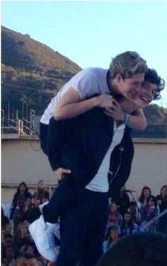 This is my favourite picture of Niall and Harry <3