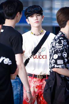 Kpop Fashion, Fashion 2020, Korean Fashion, Airport Fashion, Kpop Outfits, Cute Outfits, Ty Babies, Boy Idols, Valentines For Boys
