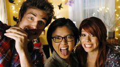 Matty, Ming, and Tamara pose for a pic together during their post-date hangout session.
