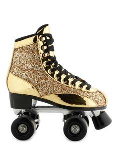 en polyurethane Or - Rollers Beverly - Cosmoparis Roller Skate Shoes, Quad Roller Skates, Roller Derby, Roller Skating, Ice Skating, Sock Shoes, Cute Shoes, Me Too Shoes, Basket Sneakers
