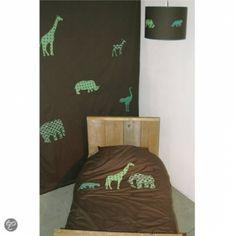Taftan - Safari Donkergroen dekbed met jungle dieren in vintage prints Prijzen: 140x200 euro 77,00 120x150 euro 62,70 100x135 euro 52,80 Lampenkap en gordijn zijn ook verkrijgbaar