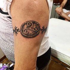 Brazalete completo con triskel  #blackandgrey #blackangreytattoos #fuenlabradatattoos #fuenlabrada #tattoo #tatuaje #tattoos #tatuajes #ink #inked #madrid #madriz
