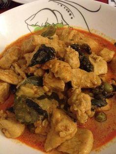 Poulet thaï au curry rouge et lait de coco : Recette de Poulet thaï au curry rouge et lait de coco - Marmiton