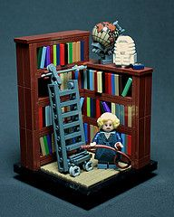 #LEGO Clue #Game Mrs. Peacock, In the Library, With the Rope
