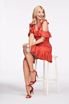 Holly Willoughby - Diet Coke's Because I Can Campaign Holly Willoughby Style, Outfits and Clothes. Great Legs, Beautiful Legs, Gorgeous Women, Holly Willoughby Feet, Tv Presenters, Sexy Poses, Hot Dress, Up Girl, Mode Style