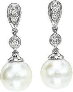 Joseph's Jewelry is Squidooing it up! Great content discussing some facts about pearls.