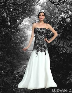 Sue Wong white/black strapless gown with all-over embroidery and beaded neckline… A Gothic romantic look…  #suewong #fashion #coutureinspired #picoftheday #glamorous #colorful