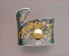 Doph Goph Albitz, Oxidized sterling silver cuff, 18K yellow gold, South Seas pearl