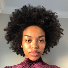 My rising sign. I truly been in my head so much these days thinking about the collective. And just how connected we truly… Protective Hairstyles For Natural Hair, Be Natural, Natural Hair Tips, Natural Hair Journey, Natural Curls, Natural Hair Styles, Natural Beauty, Beautiful Black Hair, Pretty Hair