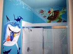Bathroom Mural, Baby Bathroom, Childrens Bathroom, Bathroom Stuff, Bathroom Design Software, Bathroom Designs, Nemo Wallpaper, Disney Bathroom, Kids Room Murals