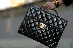 NOIR Black Beauty :: Black Chanel