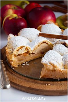 Szarlotka z połówkami jabłek - I Love Bake French Silk Pie, Food Cakes, Fruit Cakes, Healthy Sweets, Healthy Food, Polish Recipes, Apple Cake, Cake Recipes, Food And Drink