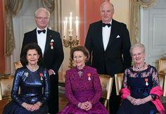 Les trois monarques scandinaves  Le roi Carl Gustaf et la reine Sylvia de Suède.  Le roi Harald V et la reine Sonya de Norvège.  La reine Margrethe II du Danemark.