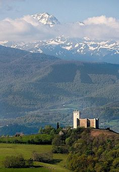 LE CHATEAU DE MAUVEZIN HAUTES-PYRENEES FRANCE by jpazam, via Flickr