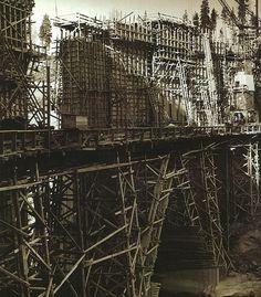 Krokstrommens kraftverk började byggas 1947. När kraftverket invigdes 1952 var det en av Ljusnans första kraftstationer. The #construction of Krokströmmens #hydroplant in Sweden began in 1947. When the plant was inaugurated in 1952 it was one of the first powerstations located by the Ljusnan river.