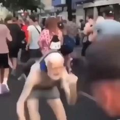 Crazy Funny Videos, Funny Video Memes, Really Funny Memes, Stupid Funny Memes, Funny Laugh, Funny Relatable Memes, Dankest Memes, Funny Reaction Pictures, Funny Pictures