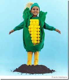 Corn on the Cob - 60 Fun and Easy DIY Halloween Costumes Your Kids Will Love Easy Homemade Halloween Costumes, Halloween Costumes For Kids, Farmer Halloween Costume, Thanksgiving Costume, Halloween Clothes, Costumes Kids, Creative Costumes, Cute Costumes, Costume Ideas