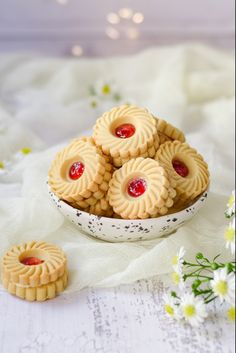 The tastiest cookies with a buttercream and strawberry jam filling Pinwheel Cookies, Cut Out Cookies, No Bake Cookies, Yummy Cookies, Easy Gingerbread Cookies, Golden Syrup, Homemade Cookies, Strawberry Jam, Baking Supplies