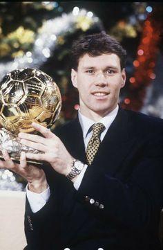 Marco Van Basten Football Awards, Best Football Players, Retro Football, Sport Football, Marco Van Basten, Ballon D'or, Association Football, Ac Milan, Top Photo