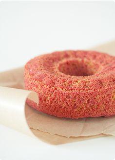 beet root cake: http://www.foodbeam.com/2010/12/16/le-seize-des-betteraves-et-un-gateau/